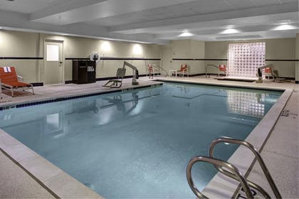 Pool | Holiday Inn Express Hotel & Suites Richmond North Ashland