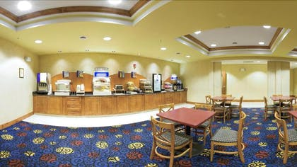 Breakfast Area | Holiday Inn Express Hotel & Suites Richmond North Ashland