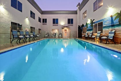 Pool | Holiday Inn Express Hotel & Suites Hollywood Walk of Fame