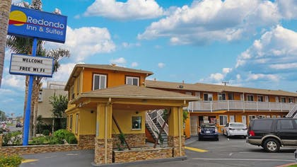 Hotel Front | Redondo Inn and Suites