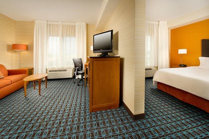 Guestroom | Fairfield Inn & Suites Germantown Gaithersburg