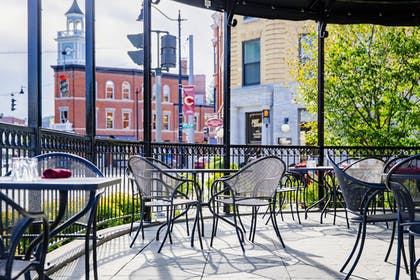 Outdoor Dining | Colgate Inn