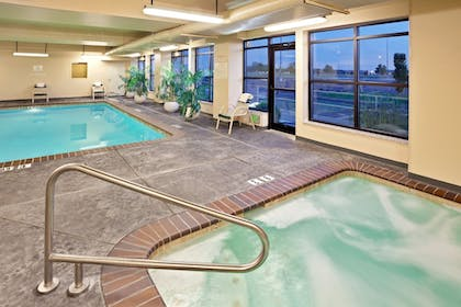 Pool | Holiday Inn Express Hotel & Suites Pasco-Tri Cities