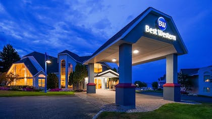Featured Image | Best Western Harbour Pointe Lakefront