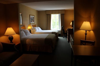 | Holiday Inn Express Hotel & Suites Warrenton