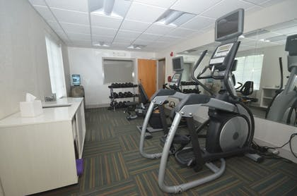 Fitness Facility | Holiday Inn Express Hotel & Suites Warrenton
