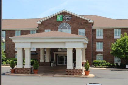 Exterior | Holiday Inn Express Hotel & Suites Warrenton