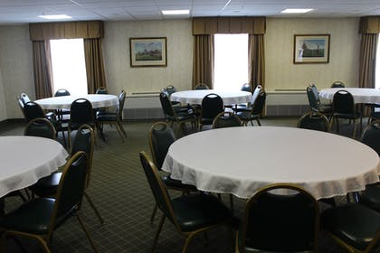 Meeting Facility | Holiday Inn Express Hotel & Suites Warrenton