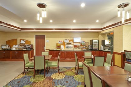 Breakfast Area | Holiday Inn Express Hotel & Suites Grand Rapids - South