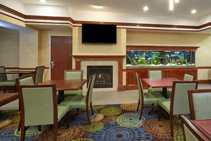 Lobby | Holiday Inn Express Hotel & Suites Grand Rapids - South