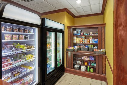 Snack Bar | Holiday Inn Express Hotel & Suites Grand Rapids - South