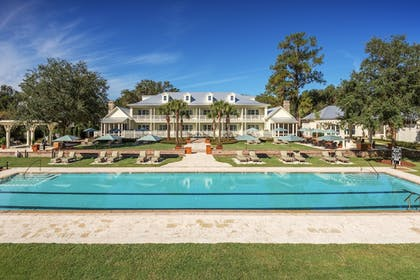 Outdoor Pool | Montage Palmetto Bluff
