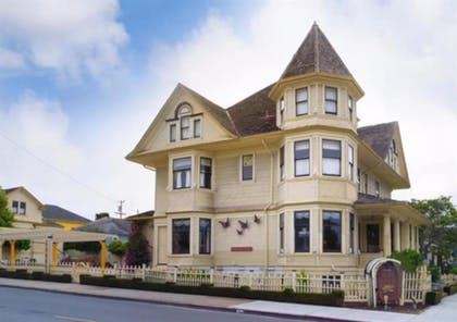 Featured Image | Pacific Grove Inn