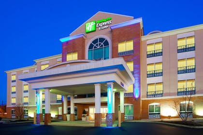 Featured Image | Holiday Inn Express Hotel & Suites Woodbridge