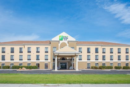 Featured Image   Holiday Inn Express Hotel & Suites Douglas