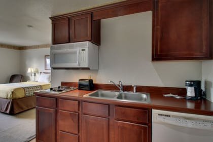 In-Room Kitchenette | All Towne Suites
