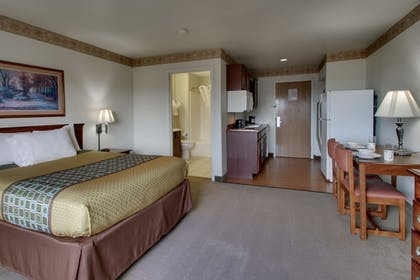 Room | All Towne Suites