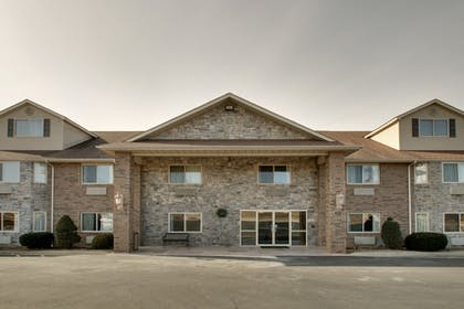 Hotel Front | All Towne Suites