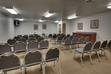 Meeting Facility | All Towne Suites