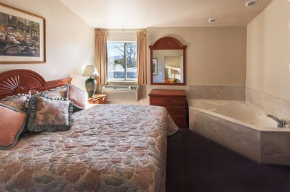 Jetted Tub | Carson City Plaza Hotel and Event Center