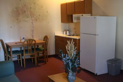 In-Room Kitchenette | Carson City Plaza Hotel and Event Center