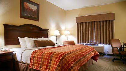 Guestroom | SureStay Plus Hotel by Best Western Coffeyville