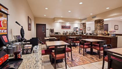 Breakfast Area | SureStay Plus Hotel by Best Western Coffeyville
