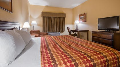 Room | SureStay Plus Hotel by Best Western Coffeyville