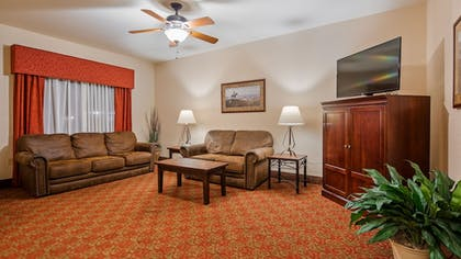 Lobby | SureStay Plus Hotel by Best Western Coffeyville