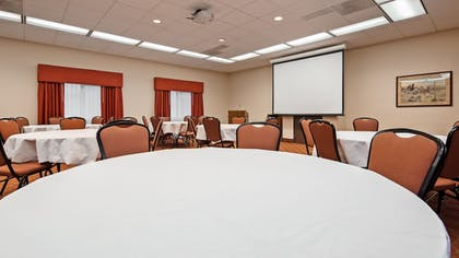 Meeting Facility | SureStay Plus Hotel by Best Western Coffeyville