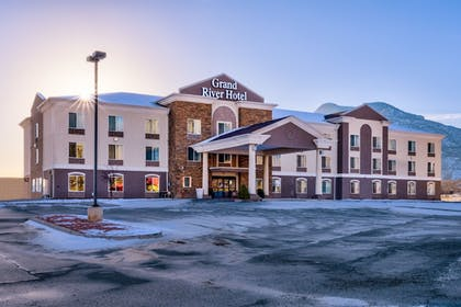 Hotel Front | Grand River Hotel