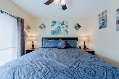 | Suite, 1 King Bed with Sofa bed | Oak Square Condominiums
