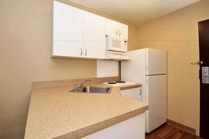 In-Room Kitchen | Extended Stay America - Los Angeles - Chino Valley