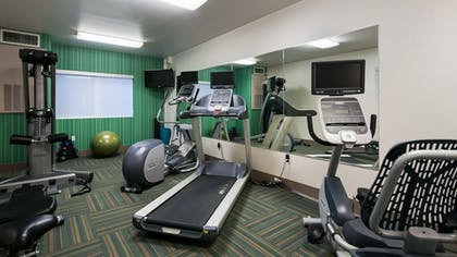 Fitness Facility | Holiday Inn Express & Suites Everett
