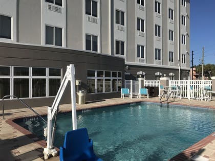 Outdoor Pool | Holiday Inn Express Hotel & Suites Orlando South-Davenport