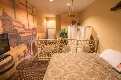 Guestroom | Chateau Avalon, an Ascend Hotel Collection