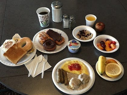 Breakfast Meal | Usa Stay Hotel and Suites