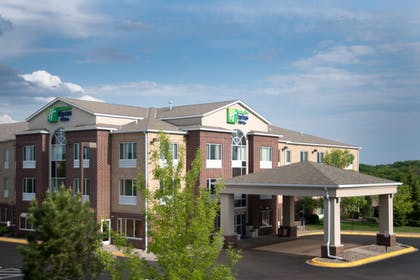 Featured Image | Holiday Inn Express Hotel & Suites Chanhassen
