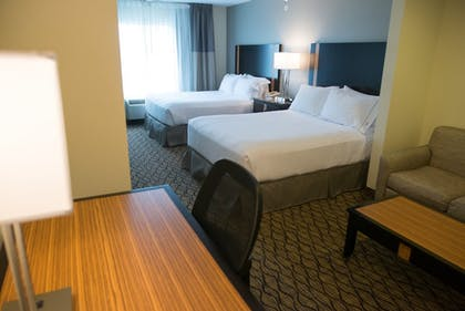 Guestroom | Holiday Inn Express Hotel & Suites Chanhassen