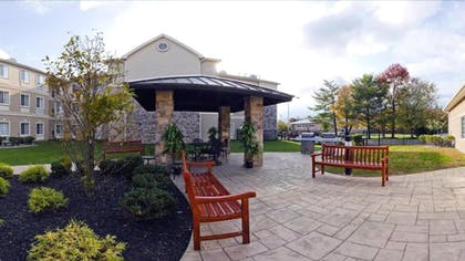 BBQ/Picnic Area | Staybridge Suites Philadelphia-Mt. Laurel