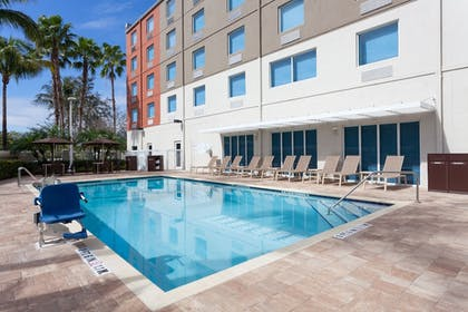 Pool | Holiday Inn Express Hotel & Suites Ft Lauderdale Airport/Cru
