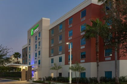 Featured Image | Holiday Inn Express Hotel & Suites Ft Lauderdale Airport/Cru