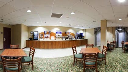 Breakfast Area | Holiday Inn Express Hotel & Suites Pittsburgh West Mifflin