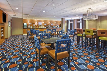 Restaurant | Holiday Inn Express Hotel & Suites Pittsburgh West Mifflin