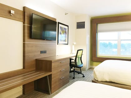 Guestroom | Holiday Inn Express Hotel & Suites White River Junction