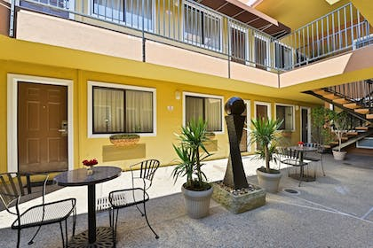 Terrace/Patio | Americas Best Value Inn & Suites SFO Airport N