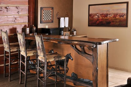 In-Room Dining | Stoney Creek Hotel & Conference Center St. Joseph