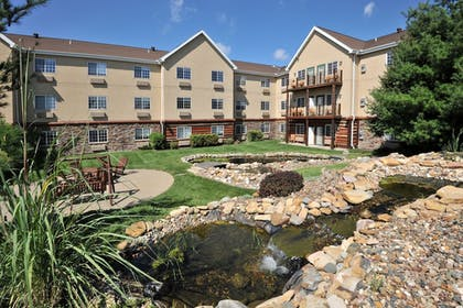 Courtyard | Stoney Creek Hotel & Conference Center St. Joseph