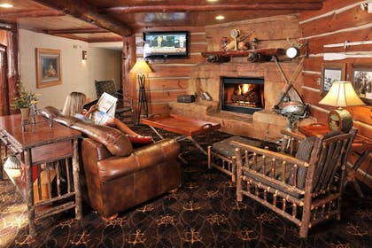 Lobby Sitting Area | Stoney Creek Hotel & Conference Center Peoria