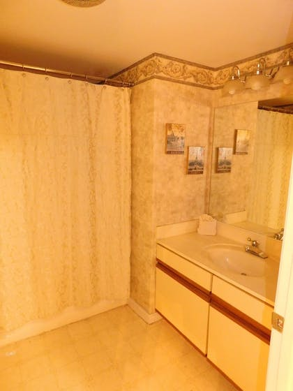Bathroom | Olde Gatlinburg Rentals